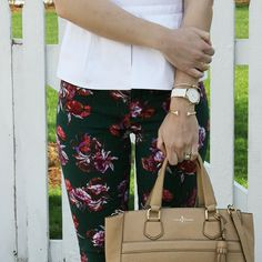 Floral pixi-pants and crisp white is perfection!  cc: @kristendtella