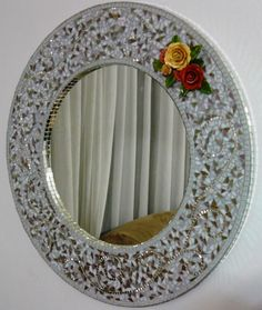 Stained Glass Mirror, Mirror Mosaic, Mirror Art, Mosaic Wall, Mosaic Glass, I Love Mirrors, Mirror Photo Frames, Beautiful Mirrors, Mirror Gallery Wall