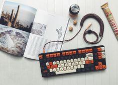 Camp c225 Custom mechanical keyboard with Carbon SA keycap set - Album on Imgur