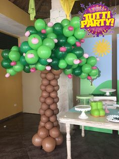 Apple tree balloons decorations, Peppa Pig Party ideas, pink apples balloons decorations