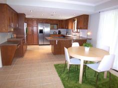 Open kitchen to family room