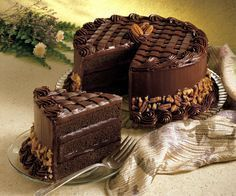 Search result for pecan fudge cake. Easy and delicious homemade recipes. See great recipes for Coca cola fudge cake too! Food Cakes, Cupcake Cakes, Chocolate Cake Photos, Desserts Rafraîchissants, Fudge Cake, Chocolate Lovers, Chocolate Heaven, Cheesecake Recipes, Let Them Eat Cake