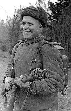 В 1944 г. советский огнеметчик Гречишников в одном из боев лично выжег 6 немецких ДОТов и 30 солдат противника