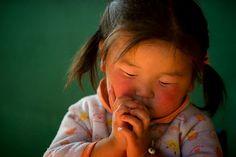 Mongolian Girl(September 20, 2007 - Erdenebulgan, Mongolia).