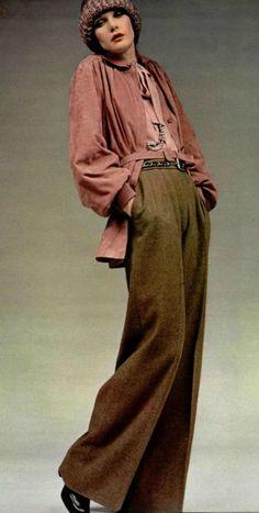 Cómo Yves Saint Laurent cambió la moda - 1972 – Yves Saint Laurent principios de los 70 estilo de moda vintage casual comodidad elegancia - Moda, Inspiración Moda, Producciones De Moda, Ropa De Época, Moda Vintage, Moda Y Complementos, Moda Estilo, Moda Histórica, Ropa Vintage