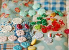 https://flic.kr/p/6vfRpX | French buttons | from the fabric fair last weekend here in Cologne