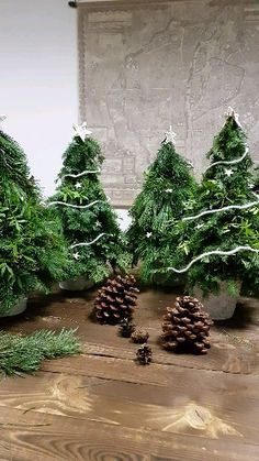 DIY Winterbäume We make these wonderful winter trees in our workshops. In addition to our wreaths, t Christmas Garden, Diy Christmas Tree, Xmas Tree, Simple Christmas, Handmade Christmas, Country Christmas Decorations, Holiday Decor, Winter Trees, Home Decor Signs