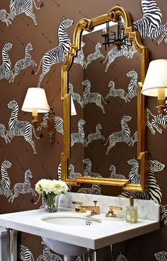 A roundup of one of my favorite wallpapers here used in powder rooms and bathrooms. A great idea where not many rolls are required for dr...