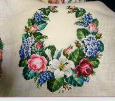 Victorian Flowers, Victorian Era, Crochet Hat Tutorial, Cross Stitch House, Rose Embroidery, Christmas Cross, Le Point, Needlepoint, Elsa