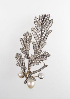 century diamond and pearl oak leaf and acorn spray brooch, Pearl Jewelry, Crystal Jewelry, Bridal Jewelry, Antique Jewelry, Silver Jewelry, Vintage Jewelry, Fine Jewelry, Diamond Brooch, Art Deco Diamond