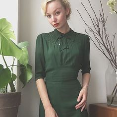 Pouring rain in Copenhagen today and it's most likely to continue until spring...☔️ Wearing my emerald green 1930s dress and rain proof hair for lectures ✨ #1930s #1940s #vintage #truevintageootd #ootd #slowfashion #truevintage