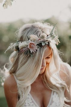 Totally adoring this wildly refined bridal crown perfect for a summer boho bride. - Totally adoring this wildly refined bridal crown perfect for a summer boho bride. Image by Corey Lynn Tucker Photography Flower Crown Wedding, Wedding Hair Flowers, Bridal Crown, Bridal Flowers, Flowers In Hair, Crown Flower, Flower Hair Wreaths, Wedding Flower Headbands, Bride Flower Crowns