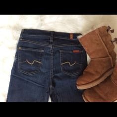 7 For All Mankind Skinny Jeans Fabulous 7FAMK Roxanne Skinny Jeans, featuring a Mid Rise. Great stitching on the pockets. Excellent condition. Size 25. No trades. Open to reasonable offers thru the Offer button. 7 for all Mankind Jeans Skinny