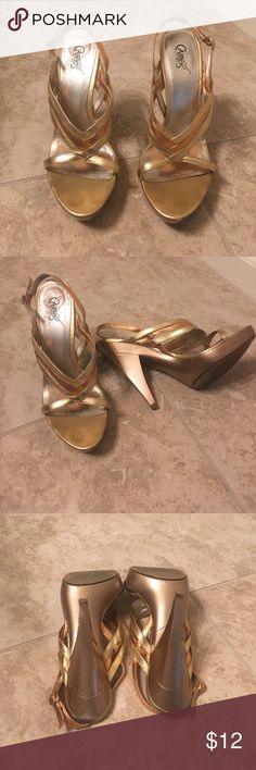 🎀2 for 12🎀Gold and bronze strappy heels 🎀SALE🎀2 for 12🎀Gold and bronze strappy heels by Carlos Santana. There is a bit of wear ( reflected in price). See pics for wear on bottom of heel and very small scuff  near toe. Still have a summer or two left in them 😄 Carlos Santana Shoes Heels