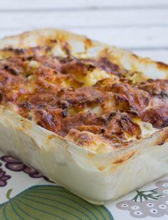 Pak Choi, Fall Dinner, Lchf, Lasagna, Camembert Cheese, Cauliflower, Delish, Recipies, Food And Drink