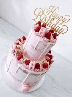 #dripcake #drip #cakes Sweet 16 Birthday Cake, Elegant Birthday Cakes, Birthday Cakes For Teens, 18th Birthday Cake, Beautiful Birthday Cakes, Happy Birthday Cakes, Birthday Cards, Sweet 16 Cupcakes, Sweet Cakes