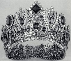 Tiara Mania: Empress Marie Louise of France's Emerald Diadem
