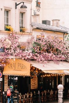 Montmartre is arguably the most charming neighborhood in all of Paris. Here are 12 spots you can't miss on your first trip to Montmartre! Montmartre Paris, Paris Paris, Paris Cafe, Paris Travel, France Travel, Places To Travel, Places To Go, Beau Site, Moving To Paris