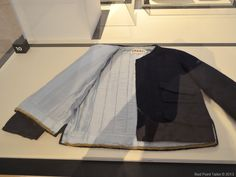 The Chanel Legend exhibition The Gemeentemuseum Den Haag iconing jacket inside