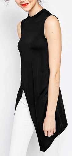 super chic tunic ...love this but doubt they manufacture it in anything larger than a 10. Something like this, though, would be flattering on a women fuller than a skeleton.