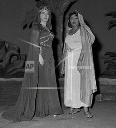 Leontyne Price posing with Giulietta Simionato at La Scala's Aida performance in 1960.