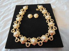 vintage unused monet signed necklace earring set pearls gold