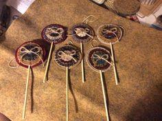 Penny Rug Lollipop Ornaments Baa Baa Black Sheep, Wool Embroidery, Penny Rugs, Xmas, Christmas Ornaments, Primitive Crafts, Needlework, Triangle, Felt