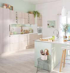 Meuble de cuisine décor bois Delinia Nordik - à partir de 611 euros l'ensemble.