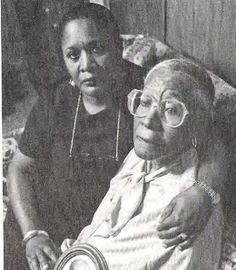 6 Medical Experiments on African-Americans You Never Knew About______ Radiation experiment subject Elmer Allen is comforted by her daughter.