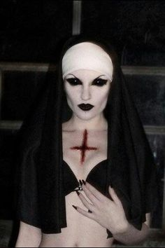 40 Best Scary Halloween Costumes Ideas for Women Trends 2018 Halloween Make Up, Scary Halloween, Halloween 2017, Halloween Face Makeup, Nun Costume, Costume Makeup, Costumes, Demon Costume, Circus Costume