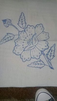 Border Embroidery Designs, Floral Embroidery Patterns, Hand Embroidery Flowers, Hawaiian Quilt Patterns, Hawaiian Quilts, Pencil Design, Cute Coloring Pages, Jacobean, Art Journal Pages