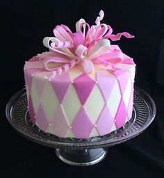 Pink diamond pattern cake, I like and think my husband could make this pattern in frosting/icing. Unique Cakes, Creative Cakes, Bolo Zumba, Cupcakes, Cupcake Cakes, Diamond Cake, Patterned Cake, Magdalena, Just Cakes