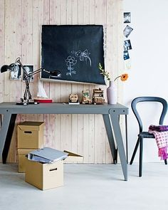 love the grey desk