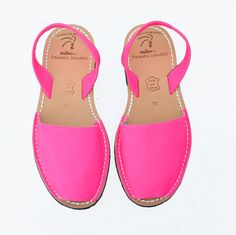 Neon Pink Palmairas