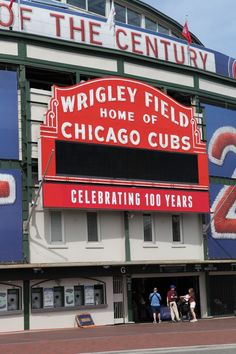 Fly to Chicago to see the Pirates play the Cubs at Wrigley Field! Baseball Park, Chicago Cubs Baseball, Bears Football, Football Stadiums, Evanston Illinois, Chicago Illinois, Chicago Skyline Tattoo, Chicago Things To Do, Chicago Cubs Fans