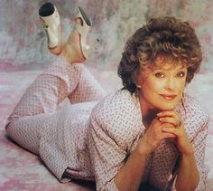 Halloween Inspiration: The Golden Girls Rue Mcclanahan, Blanche Devereaux, Charlotte Gainsbourg, Famous Women, Famous People, Golden Girls, Golden Age, I Love To Laugh, Classic Tv