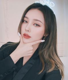 pony park hye min make up 👧❤😻 Korean Makeup Look, Asian Makeup, Korean Beauty, Asian Beauty, Beauty Makeup, Hair Makeup, Hair Beauty, Pony Korean, Pony Makeup
