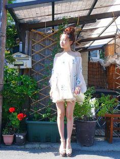 snidelのその他トップス「フラワー刺繍チュニック」を使った西川 瑞希のコーディネートです。WEARはモデル・俳優・ショップスタッフなどの着こなしをチェックできるファッションコーディネートサイトです。