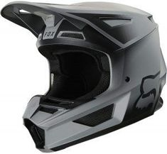 The importance of dirt bike helmets should never be underestimated. For instance, when there is an accident, the helmet protects you. Dirt Bike Helmets, Dirt Bike Gear, Motorcycle Dirt Bike, Motorbike Cake, Dirt Bikes For Sale, Dirt Bikes For Kids, Cool Dirt Bikes, Dirt Bike Wedding, Dirt Bike Party