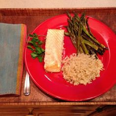 A Taste of the Mediterrean: Baked Salmon and Roasted Asparagus