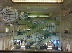 Le Bon Marché 2012 - 160 ans d'esprit rive gauche, le premier grand magasin révolutionnaire et intemporel