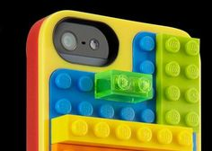 Lego Builder Case for iPhone 5 provides protection and Lego building fun all-in-one
