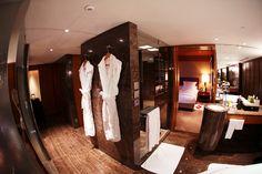 Suite @ the Mandarine Oriental hotel-Hong Kong Gary Pepper Girl, Oriental Hotel, Mandarin Oriental, Photo Diary, Hong Kong, House, Spaces, Home Decor, Home