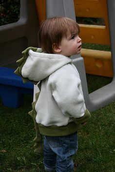 dragon hoodie, I made one like this and I added wings too, the little monster still loves this