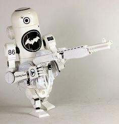 """Bertie MK3A Daywatch""   World War Robot Portable (WWRP) Series   Artist: Ashley Wood"