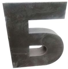 Буквы не для вывесок, а скорее для монументов. ✔На фото буква высотой 900 мм и весом примерно 90 кг. Лицевая поверхность полированная Материал - бетон, армирован сеткой.