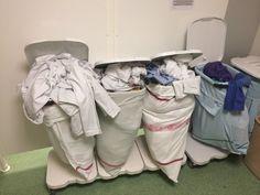 Wenn der Wäschestapel ausgerechnet bei dir umkippt und du die Wäschesäcke wechseln musst.