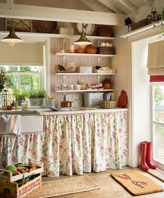 Shabby Chic Home Decor Uk few Shabby Chic Living Room Ideas On A Budget versus Home Decor Ideas In Pakistan by Home Decor Lights Near Me Cocina Shabby Chic, Shabby Chic Kitchen, Shabby Chic Cottage, Shabby Chic Homes, Shabby Chic Decor, Country Kitchen, Vintage Kitchen, Kitchen Decor, Rustic Decor