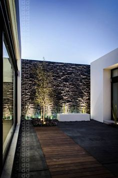 Galería de Casa AGR / ADI Arquitectura y Diseño Interior. Design Exterior, Interior And Exterior, Interior Plants, Landscape Design, Garden Design, House Design, Terrace Garden, Backyard Landscaping, Backyard Patio