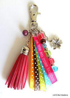 16 Awesome Ideas for DIY Christmas Decorations Art and Craft Bead Crafts, Jewelry Crafts, Handmade Jewelry, Diy Tassel, Tassels, Diy Keychain, Bijoux Diy, Key Fobs, Schmuck Design
